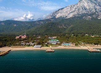 Crystal Nirvana Lagoon Villas Suites & Spa